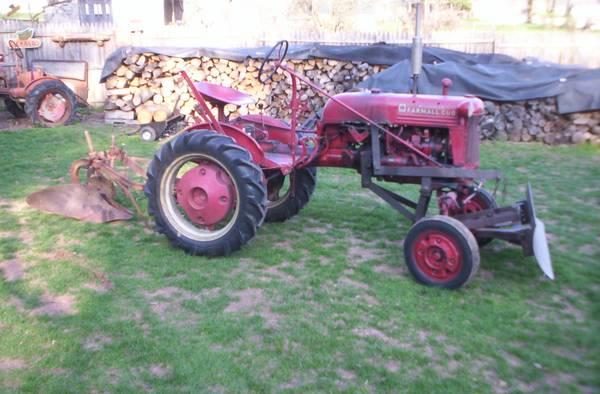 Photo Farmall Cub w2 way plow and snowplow - $2,600 (Hershey, PA)