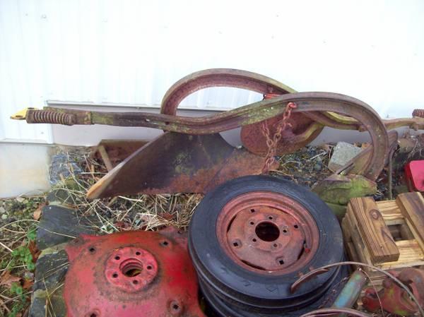 Photo Farmall cub garden plow - $150 (Lancaster)