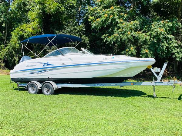 Photo HURRICANE DECK BOAT  225HP YAMAHA FOUR STROKE OUTBOARD MOTOR - $18,900 (PEACH BOTTOM PA)