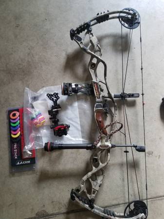 Photo Hoyt Carbon Defiant 34 right hand 60 to 70 - $750 (Lancaster)