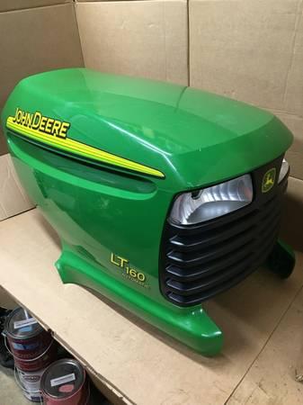 Photo John Deere LT150 LT155 LT160 LT180 LT190 lawn mower hood - $200 (Lancaster)