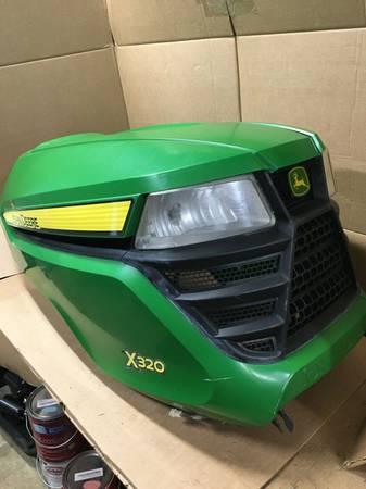 Photo John Deere X300 X304 X320 X340 X360 X500 X530 X534 Lawn Mower hood - $495 (Millersville)