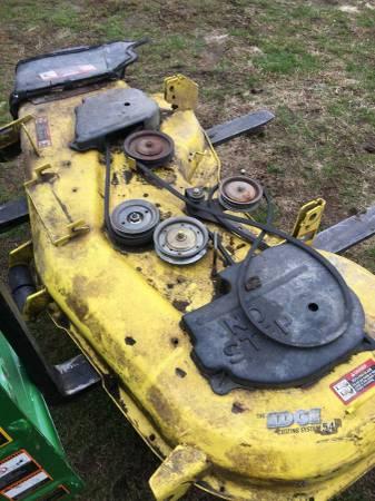 Photo John Deere Z425 Z445 54quot zero turn lawn mower deck - $120 (Lancaster)