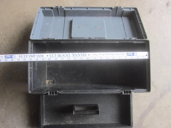 Photo Plastic tool box - $10 (New Holland)