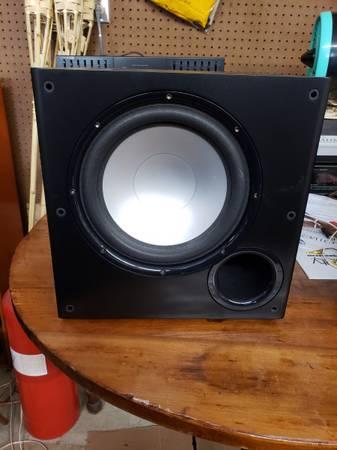 Photo Polk Audio PSW 108 powered subwoofer - $110 (Lancaster)
