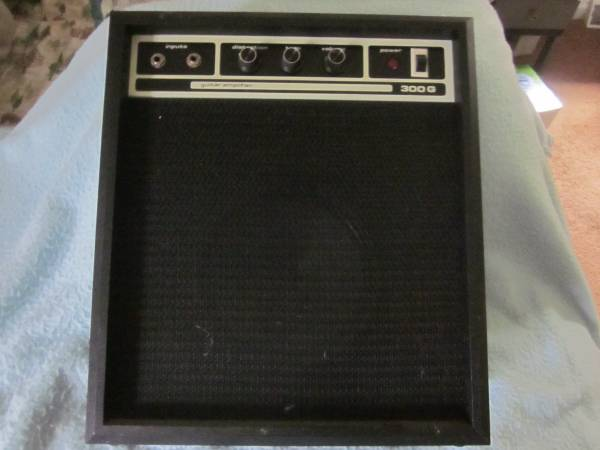 Photo SEARS ELECTRIC GUITAR AMP - $50 (BAINBRIDGE)