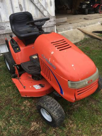 Photo Simplicity, John Deere 345  GT275 lawn tractors for sale - $475 (Millersville)