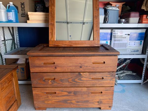 Photo This End Up Bedroom Set - $250 (Akron)