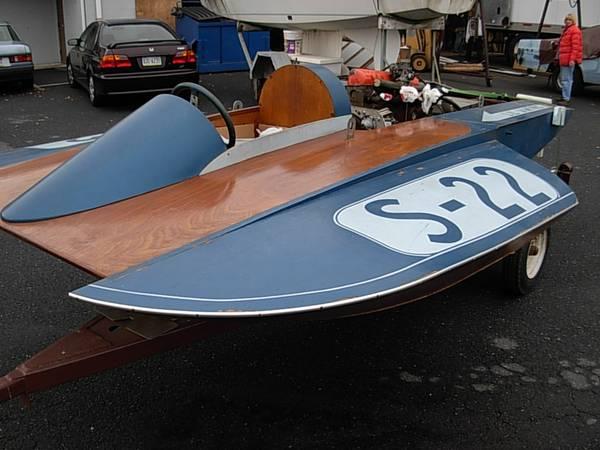 Photo Vintage Wood Hydroplane (1960) (Mt. Joy)