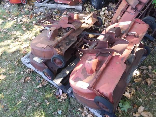 Photo Wheel Horse 3639 3739 Parts Mower Decks - $20 (malvern)