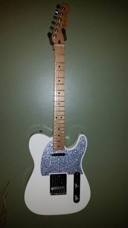 Photo White Mexican Fender Tele - $550 (East Petersburg)