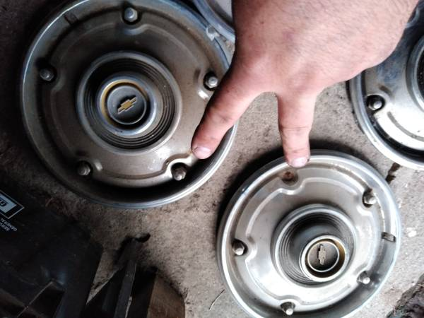 Photo 1971 Chevy truck hubcaps - $20 (Grand ledge)
