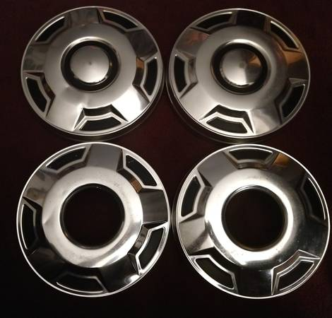 Photo 1978-91, Ford truck f-seires, dog dish hubcaps. - $75 (Lansing)