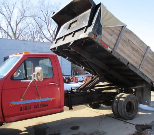 Photo 1995 Ford f-350 1 ton 4x4 dump w Boss snow plow - $5500 (N. Lansing)