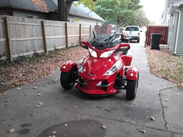 Photo 2012 Can Am Spyder - $12,500 (Wyoming)