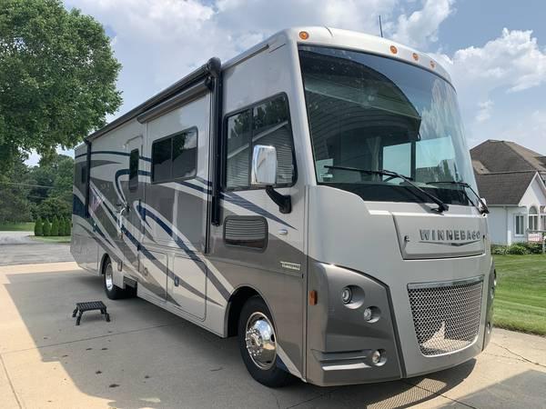 Photo 2019 Winnebago Vista LX 30T - $110,000 (Howell, MI)