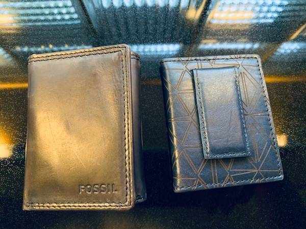 Photo 2 NEW Men39s Authentic Fossil Leather Wallets - Tri Fold  Bi Fold - $10 (Moores River Drive)