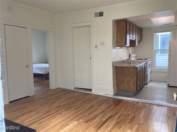 Photo 2b1b whole house subleasing from May to August (Ann Arbor)