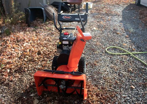 Photo Ariens Compact 24 in. 2-Stage Electric Start Gas Snow Blower - $475 (Downtown Lansing)