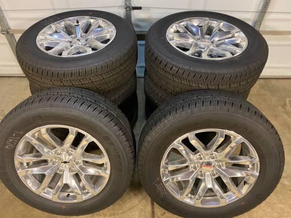 Photo Brand New OEM GMC  Chevy Y Spoke (snowflake) 20 wheels and tires - $1,550 (Lansing)