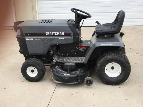 Photo Craftsman Riding Lawn Mower - $575 (Perrinton)