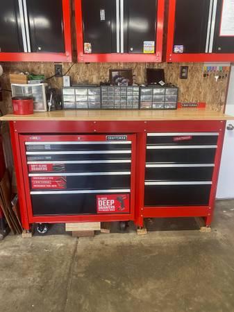 Photo Craftsman rolling tool box chest cabinet work bench workbench garage - $800 (Eaton Rapids)