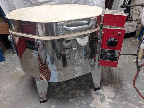 Photo Evenheat Glass Kiln 14quot with molds and accessories - $650 (Lansing)