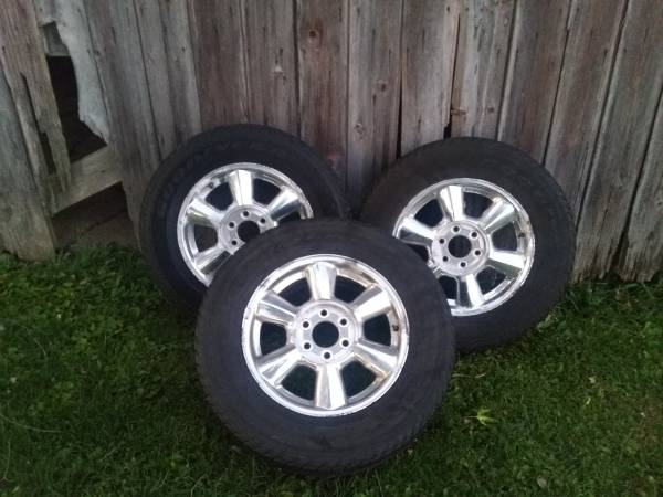 Photo GOODYEAR TIRES GMC RIMS - $320 (St.johns)
