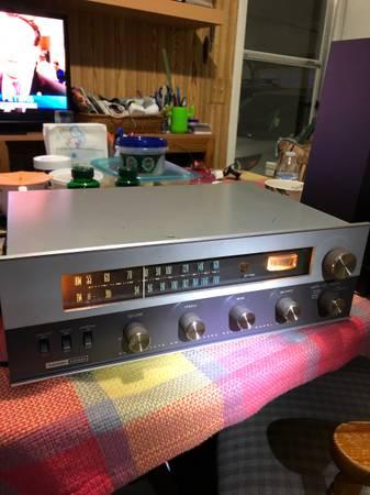 Photo Harman Kardon Amplifier Receiver model SR 400 - $100 (East Lansing)