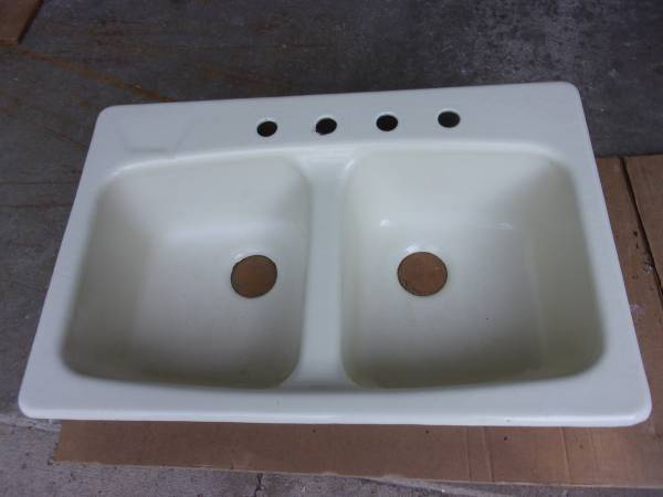 Photo Kohler Cast Iron Kitchen Sink - $60 (Charlotte)