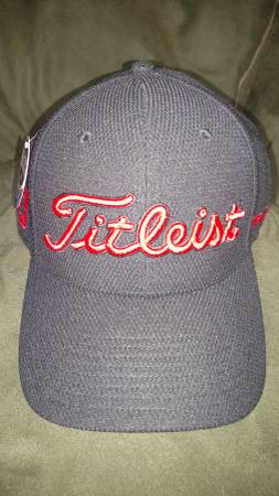 Photo NEW TITLEIST BLACK WITH RED LETTERS HAT FITTED MEDIUMLARGE WITH TAGS - $10 (Lansing)