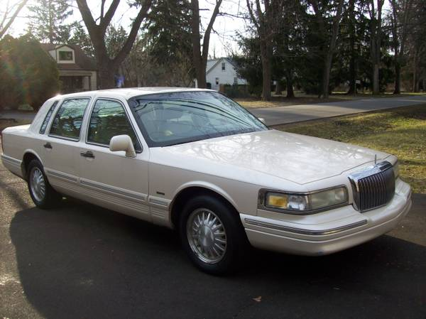 Photo Nice Loaded 1995 Lincoln Town Car Cartier Edition - $3500