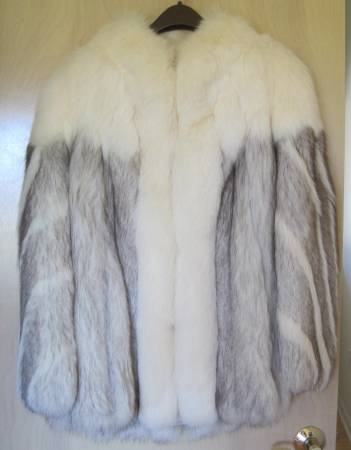 Photo Vintage Saga Fox Fur Womens Winter Coat - $100 (Mason)