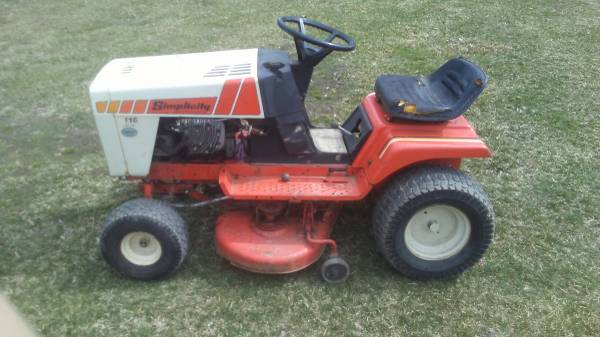 Photo Vintage Simplicity by Allis Charmers Lawn Tractor - $270 (Charlotte)