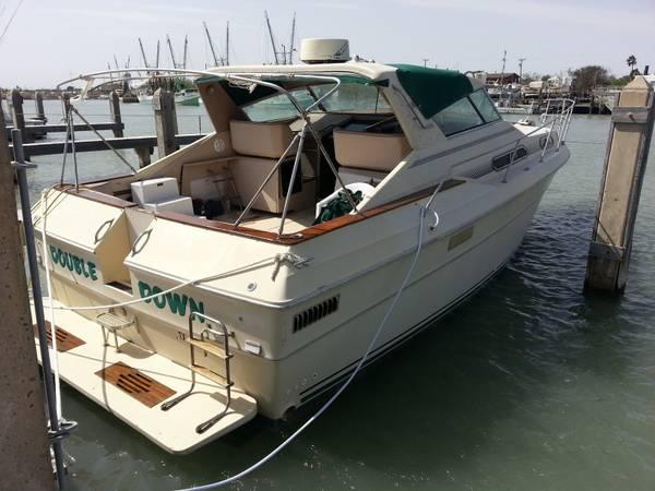 Photo 1981 SeaRay EC360 Express Cruiser - $13,000 (Port Isabel)