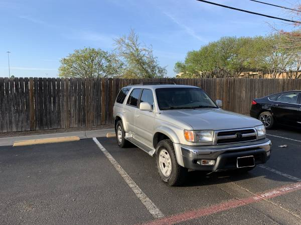 Photo 2000 Toyota 4Runner 4WD SR5 - Great Condition - $4000 (Laredo)