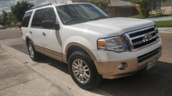 Photo 2012 FORD EXPEDITION XLT - $9250 (Laredo)