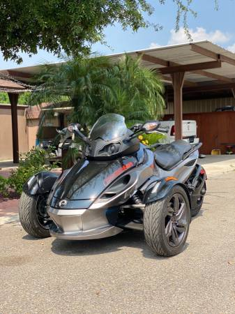 Photo 2013 Can-Am Spyder RSS - $11,950 (MISSION)