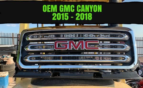Photo 2015-2018 OEM GMC CANYON GRILLE - $300 (laredo)