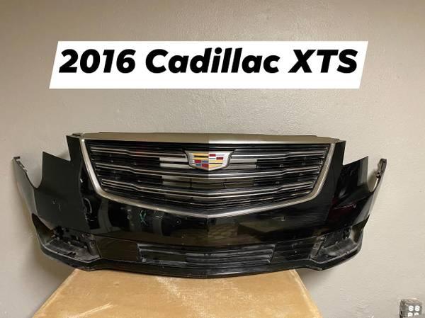Photo 2016 CADILLAC XTS FRONT BUMPER GRILL - $1 (LAREDO, TX)