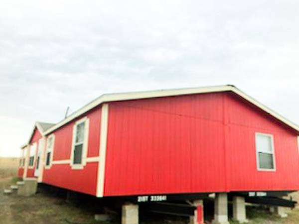 Photo 3 bed 2 bath used mobile home, double wide for sale. (Deliver to your land anywhere in TEXAS)