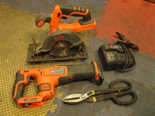 Photo Black and Decker sawzalcircular saw, 5 gallon gas can and hand sheers - $50 (NW SA)