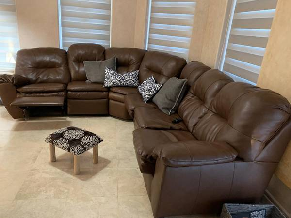 Photo Brown Sectional Sofa in great condition - $750