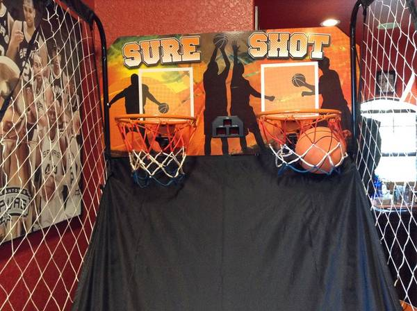 Photo Electronic Basketball Game - $150 (Lytle TX)