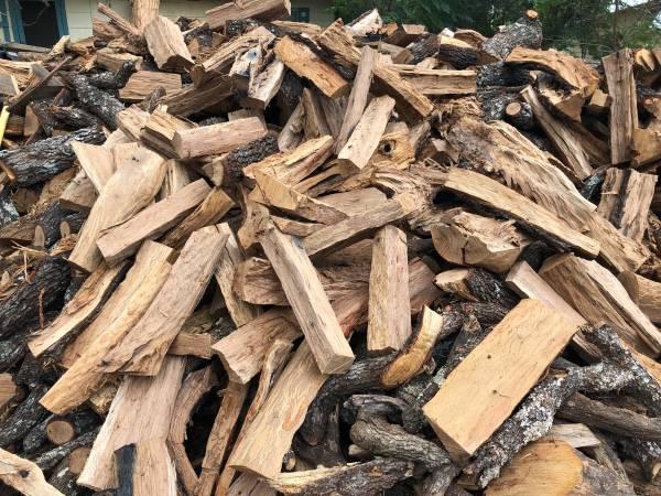 Photo Excellent Fire Wood Mesquite -Oak FireWood Excellent - $160 (Lytle)