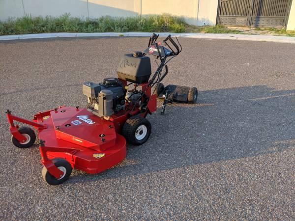 Photo Exmark Metro 48quot Commercial Mower - $1,600 (LAREDO)