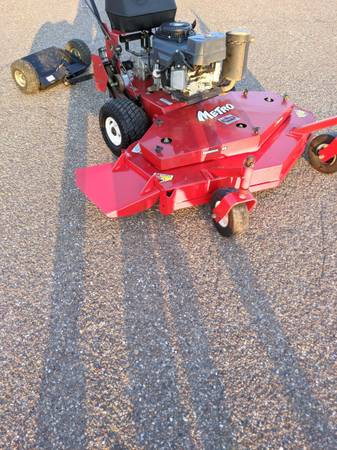 Photo Exmark Metro 48quot Commercial Mower - $2,300 (LAREDO)