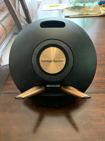 Photo Harman  Kardon speaker - $95 (Helotes)