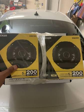Photo Kicker Speakers and Planet Audio Amp NEW - $200 (Laredo)