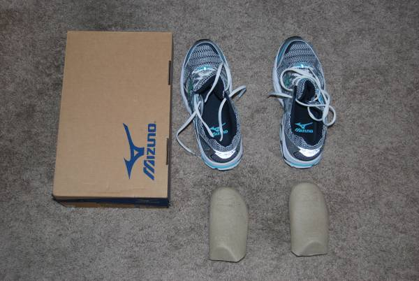 Photo Mizuno Women39s Wave Alchemy 10 Running Shoes (Size 9) - $80 (San Antonio, TX)